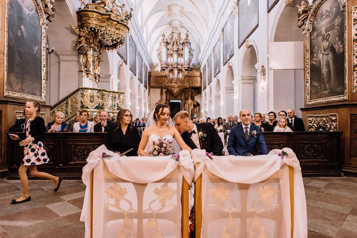 Reportaz-slubny-Bydgoszcz-slub-Bazylika-Wniebowziecia-NMP-Koronowo-wesele-Hotel-Spa-Evita-Tlen-Swietliste-fotografujemy-emocje-Magda-Kamil-103