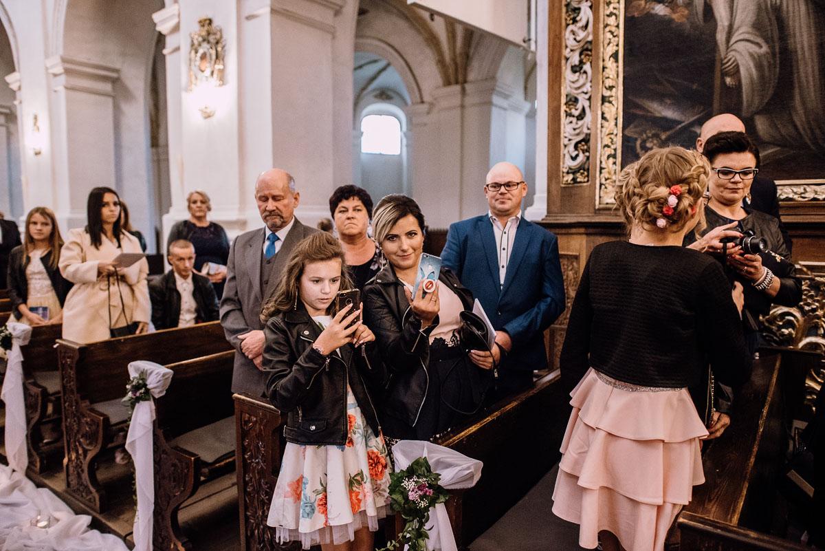 Reportaz-slubny-Bydgoszcz-slub-Bazylika-Wniebowziecia-NMP-Koronowo-wesele-Hotel-Spa-Evita-Tlen-Swietliste-fotografujemy-emocje-Magda-Kamil-104