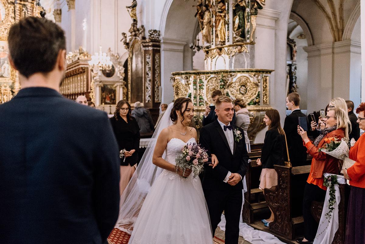 Reportaz-slubny-Bydgoszcz-slub-Bazylika-Wniebowziecia-NMP-Koronowo-wesele-Hotel-Spa-Evita-Tlen-Swietliste-fotografujemy-emocje-Magda-Kamil-106