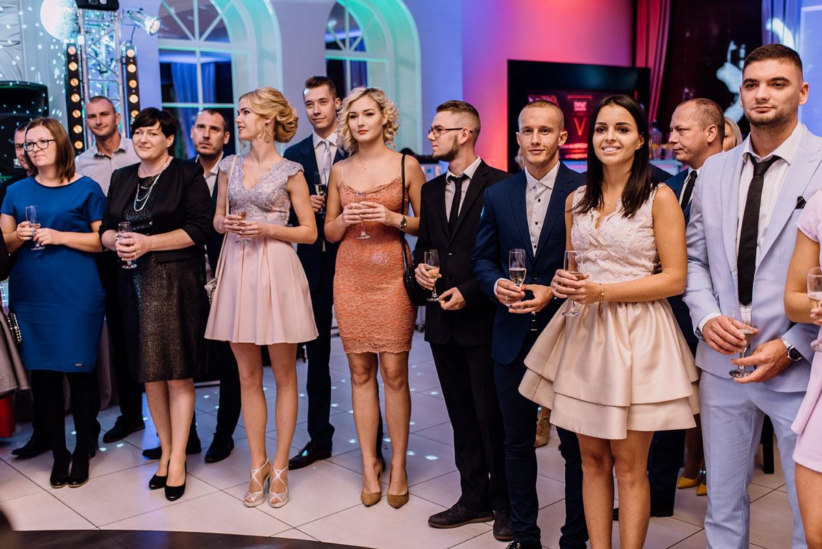 Reportaz-slubny-Bydgoszcz-slub-Bazylika-Wniebowziecia-NMP-Koronowo-wesele-Hotel-Spa-Evita-Tlen-Swietliste-fotografujemy-emocje-Magda-Kamil-132