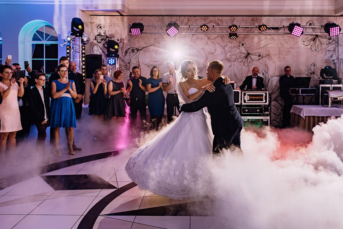 Reportaz-slubny-Bydgoszcz-slub-Bazylika-Wniebowziecia-NMP-Koronowo-wesele-Hotel-Spa-Evita-Tlen-Swietliste-fotografujemy-emocje-Magda-Kamil-145
