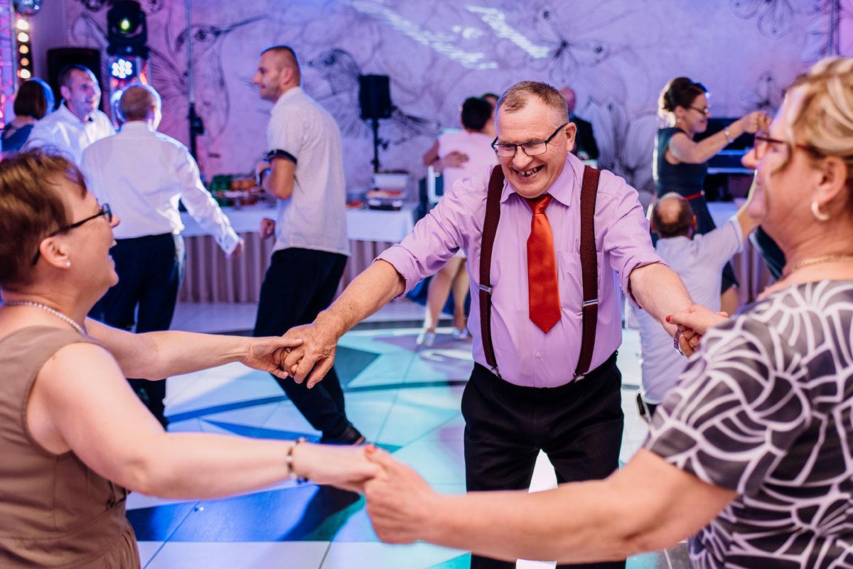 Reportaz-slubny-Bydgoszcz-slub-Bazylika-Wniebowziecia-NMP-Koronowo-wesele-Hotel-Spa-Evita-Tlen-Swietliste-fotografujemy-emocje-Magda-Kamil-172