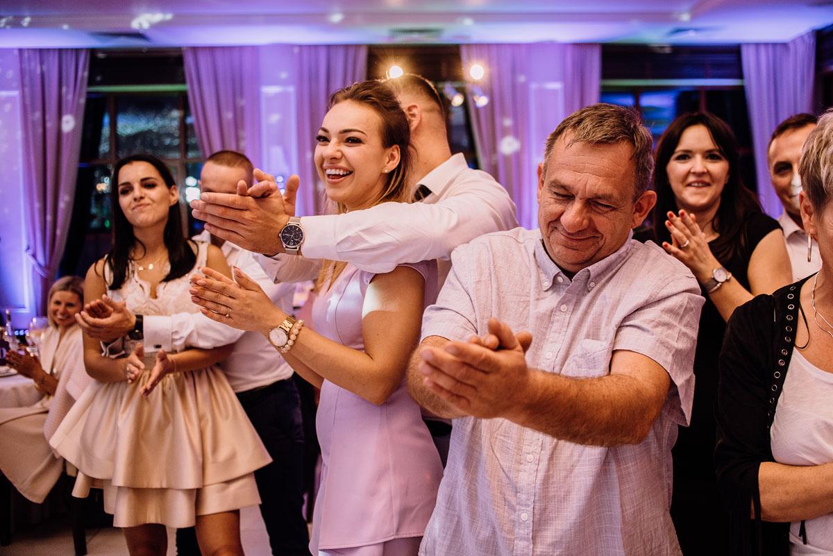 Reportaz-slubny-Bydgoszcz-slub-Bazylika-Wniebowziecia-NMP-Koronowo-wesele-Hotel-Spa-Evita-Tlen-Swietliste-fotografujemy-emocje-Magda-Kamil-241