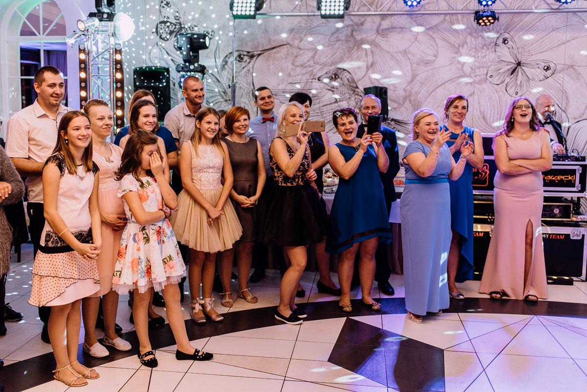 Reportaz-slubny-Bydgoszcz-slub-Bazylika-Wniebowziecia-NMP-Koronowo-wesele-Hotel-Spa-Evita-Tlen-Swietliste-fotografujemy-emocje-Magda-Kamil-242