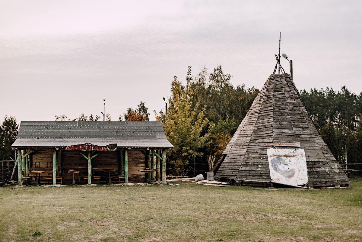 jesienny-plener-slubny-stadnina-koni-Balczewo-Joanna-Michal-006