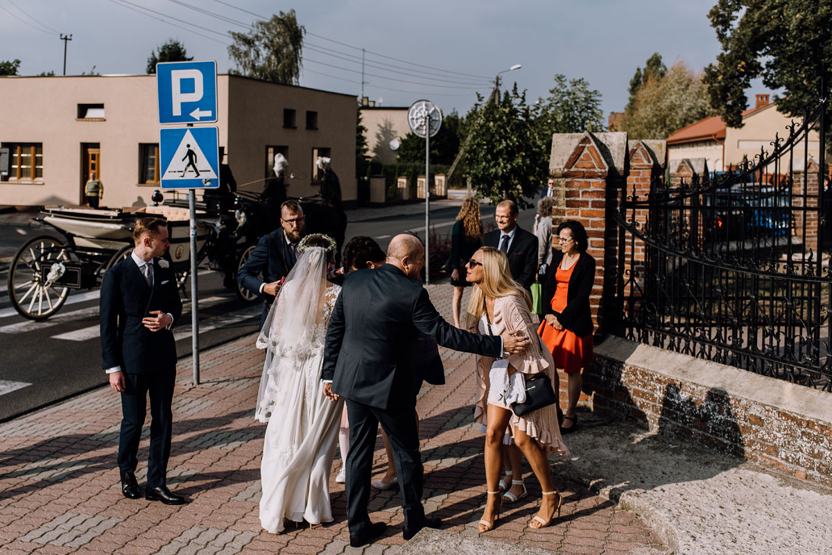 reportaz-slubny-Joanna-Michal-slub-kosciol-sw-Mikolaja-wesele-Gwarek-Slesin-zespol-HeyCity-047
