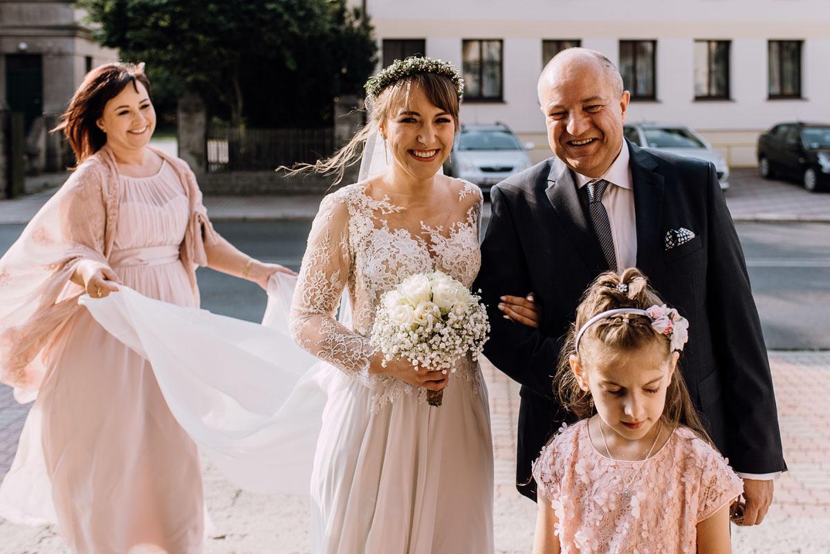reportaz-slubny-Joanna-Michal-slub-kosciol-sw-Mikolaja-wesele-Gwarek-Slesin-zespol-HeyCity-049