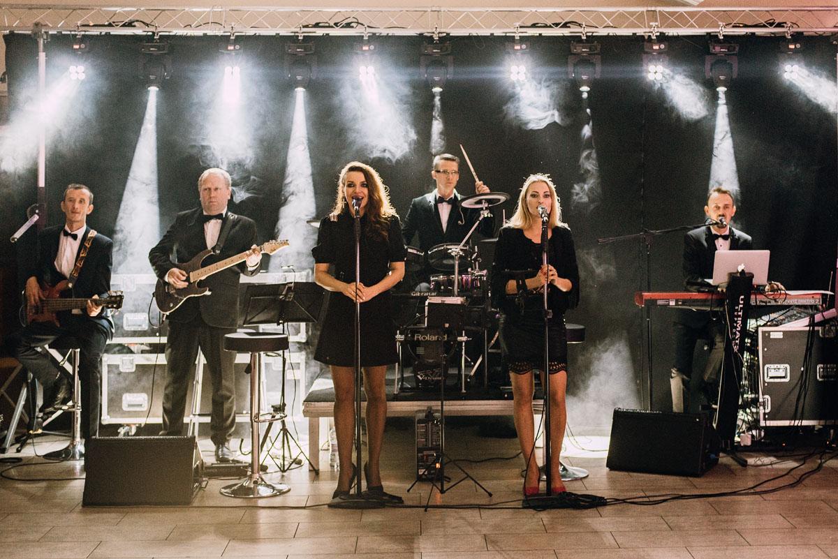 reportaz-slubny-Joanna-Michal-slub-kosciol-sw-Mikolaja-wesele-Gwarek-Slesin-zespol-HeyCity-156