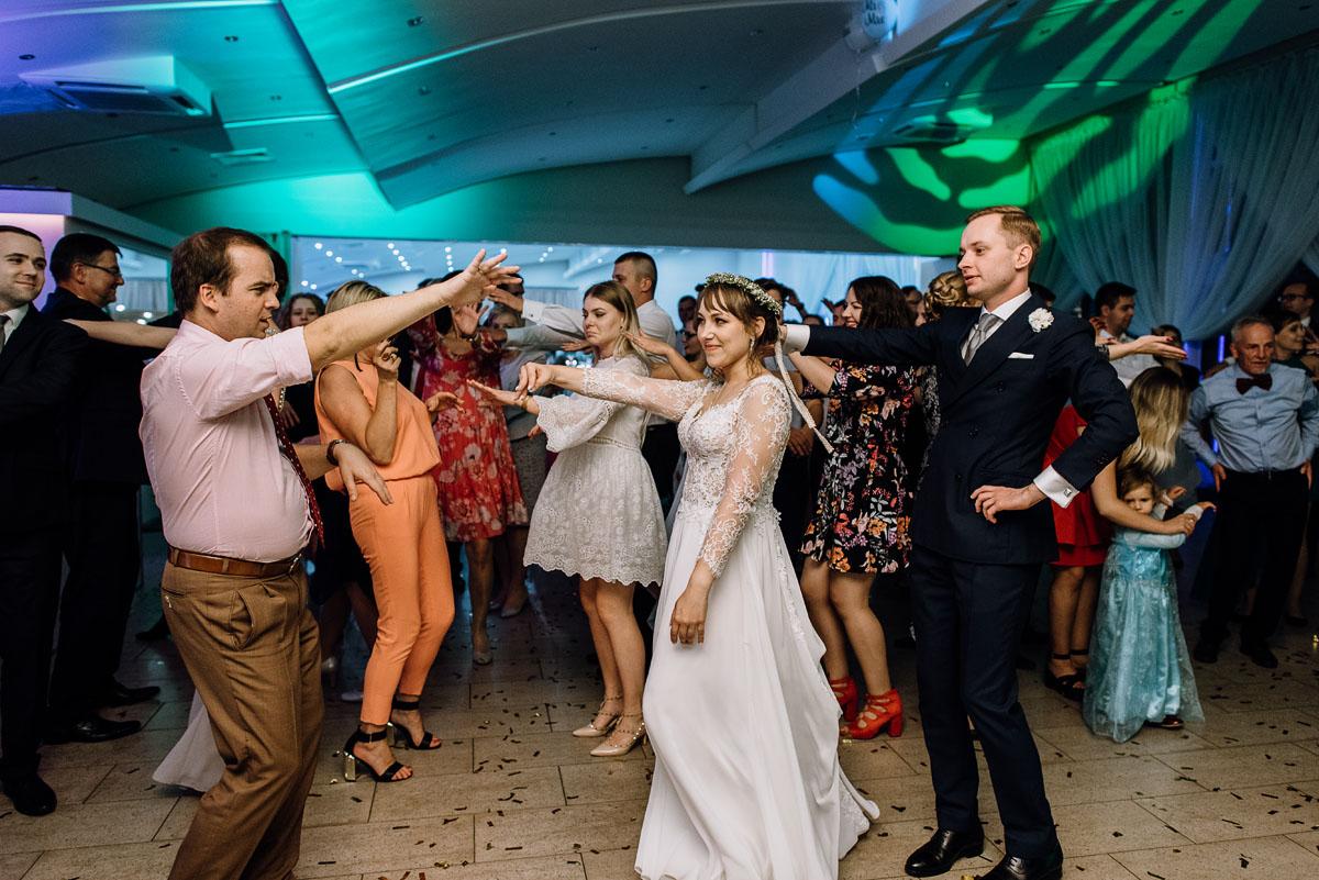 reportaz-slubny-Joanna-Michal-slub-kosciol-sw-Mikolaja-wesele-Gwarek-Slesin-zespol-HeyCity-219
