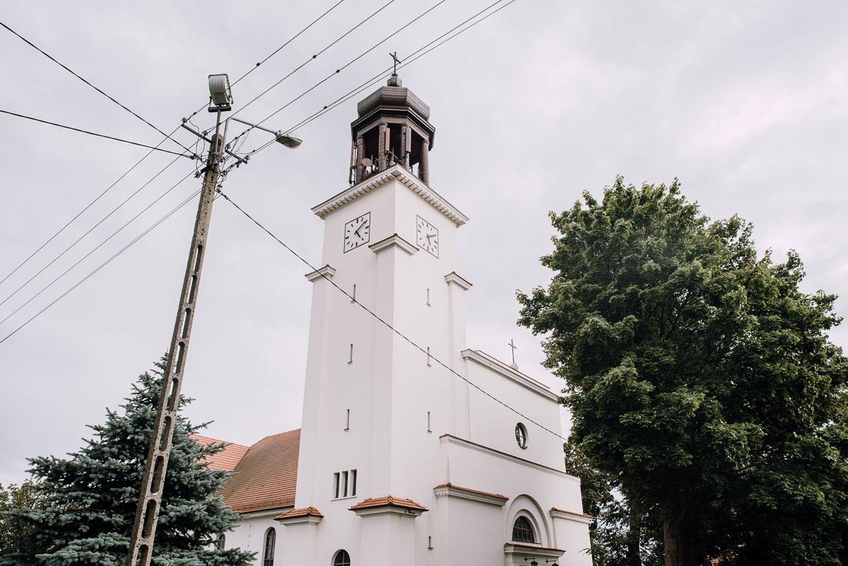 Reportaz-slubny-Bydgoszcz-slub-parafia-Podwyzszenia-Krzyza-Sw-Osie-wesele-Hotel-Spa-Evita-Tlen-Swietliste-fotografujemy-emocje-Patrycja-Dawid-060