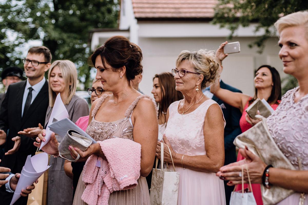 Reportaz-slubny-Bydgoszcz-slub-parafia-Podwyzszenia-Krzyza-Sw-Osie-wesele-Hotel-Spa-Evita-Tlen-Swietliste-fotografujemy-emocje-Patrycja-Dawid-131