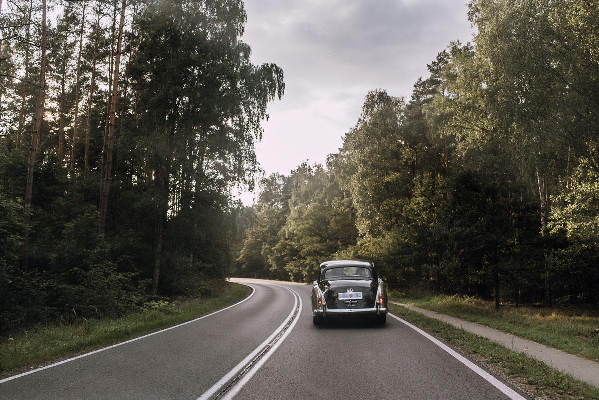 Reportaz-slubny-Bydgoszcz-slub-parafia-Podwyzszenia-Krzyza-Sw-Osie-wesele-Hotel-Spa-Evita-Tlen-Swietliste-fotografujemy-emocje-Patrycja-Dawid-140