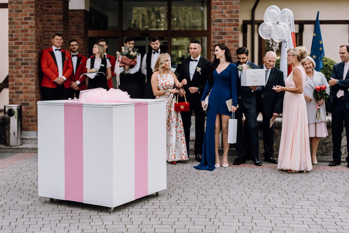 Reportaz-slubny-Bydgoszcz-slub-parafia-Podwyzszenia-Krzyza-Sw-Osie-wesele-Hotel-Spa-Evita-Tlen-Swietliste-fotografujemy-emocje-Patrycja-Dawid-143