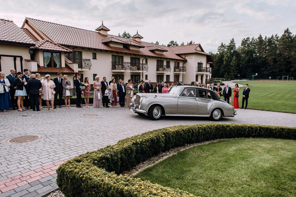 Reportaz-slubny-Bydgoszcz-slub-parafia-Podwyzszenia-Krzyza-Sw-Osie-wesele-Hotel-Spa-Evita-Tlen-Swietliste-fotografujemy-emocje-Patrycja-Dawid-144