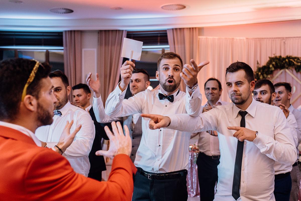 Reportaz-slubny-Bydgoszcz-slub-parafia-Podwyzszenia-Krzyza-Sw-Osie-wesele-Hotel-Spa-Evita-Tlen-Swietliste-fotografujemy-emocje-Patrycja-Dawid-256