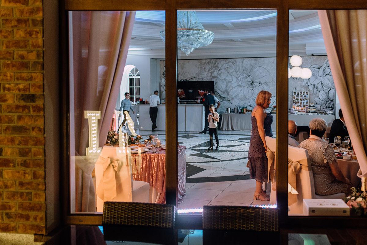 Reportaz-slubny-Bydgoszcz-slub-parafia-Podwyzszenia-Krzyza-Sw-Osie-wesele-Hotel-Spa-Evita-Tlen-Swietliste-fotografujemy-emocje-Patrycja-Dawid-269
