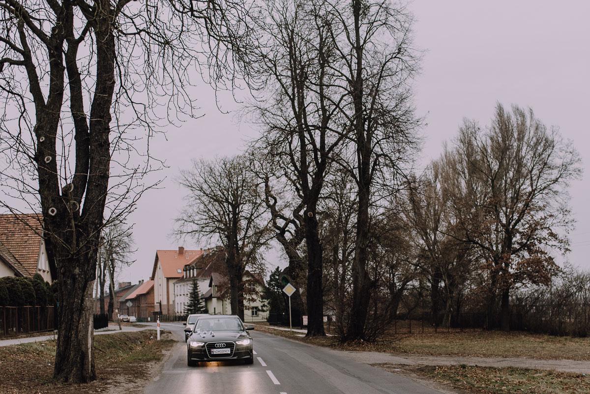 Reportaz-slubny-Laskowice-slub-parafia-Niepokalanego-Serca-NMP-Hotel-Vistula-Swiecie-Swietliste-fotografujemy-emocje-Kasia-Blazej-031