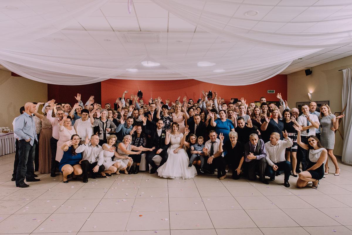Reportaz-slubny-Laskowice-slub-parafia-Niepokalanego-Serca-NMP-Hotel-Vistula-Swiecie-Swietliste-fotografujemy-emocje-Kasia-Blazej-107