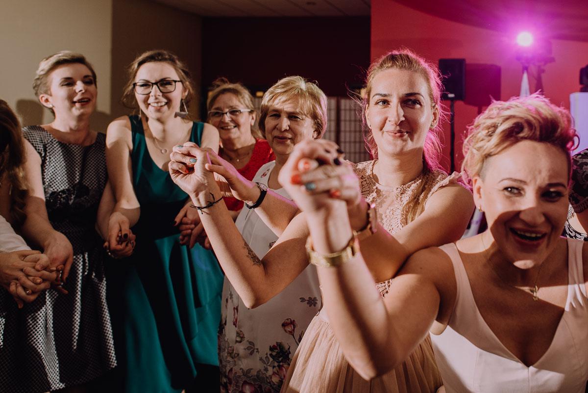 Reportaz-slubny-Laskowice-slub-parafia-Niepokalanego-Serca-NMP-Hotel-Vistula-Swiecie-Swietliste-fotografujemy-emocje-Kasia-Blazej-110