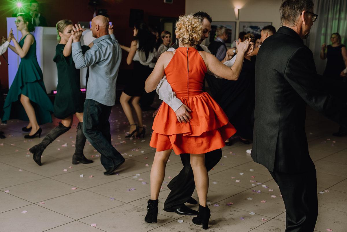 Reportaz-slubny-Laskowice-slub-parafia-Niepokalanego-Serca-NMP-Hotel-Vistula-Swiecie-Swietliste-fotografujemy-emocje-Kasia-Blazej-119