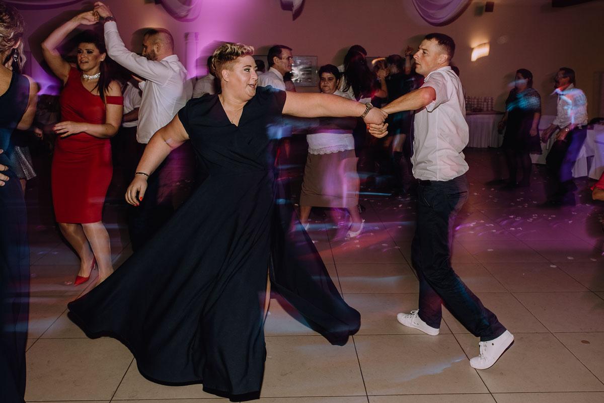 Reportaz-slubny-Laskowice-slub-parafia-Niepokalanego-Serca-NMP-Hotel-Vistula-Swiecie-Swietliste-fotografujemy-emocje-Kasia-Blazej-121