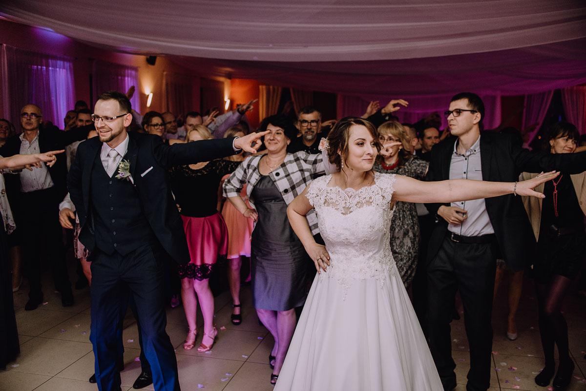 Reportaz-slubny-Laskowice-slub-parafia-Niepokalanego-Serca-NMP-Hotel-Vistula-Swiecie-Swietliste-fotografujemy-emocje-Kasia-Blazej-138