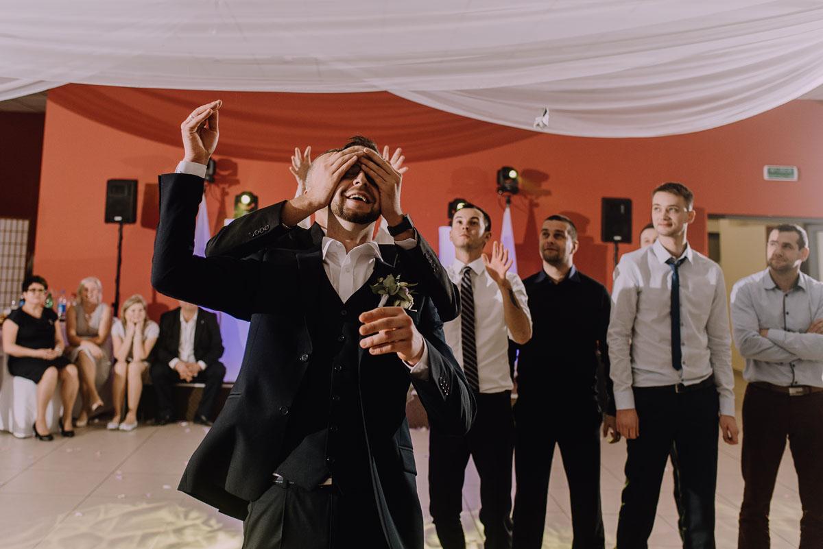 Reportaz-slubny-Laskowice-slub-parafia-Niepokalanego-Serca-NMP-Hotel-Vistula-Swiecie-Swietliste-fotografujemy-emocje-Kasia-Blazej-160