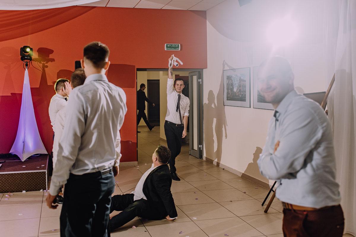 Reportaz-slubny-Laskowice-slub-parafia-Niepokalanego-Serca-NMP-Hotel-Vistula-Swiecie-Swietliste-fotografujemy-emocje-Kasia-Blazej-161
