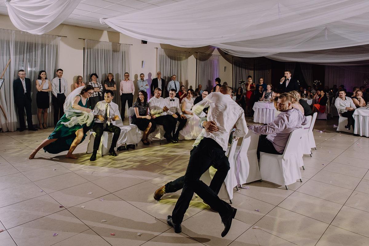 Reportaz-slubny-Laskowice-slub-parafia-Niepokalanego-Serca-NMP-Hotel-Vistula-Swiecie-Swietliste-fotografujemy-emocje-Kasia-Blazej-165
