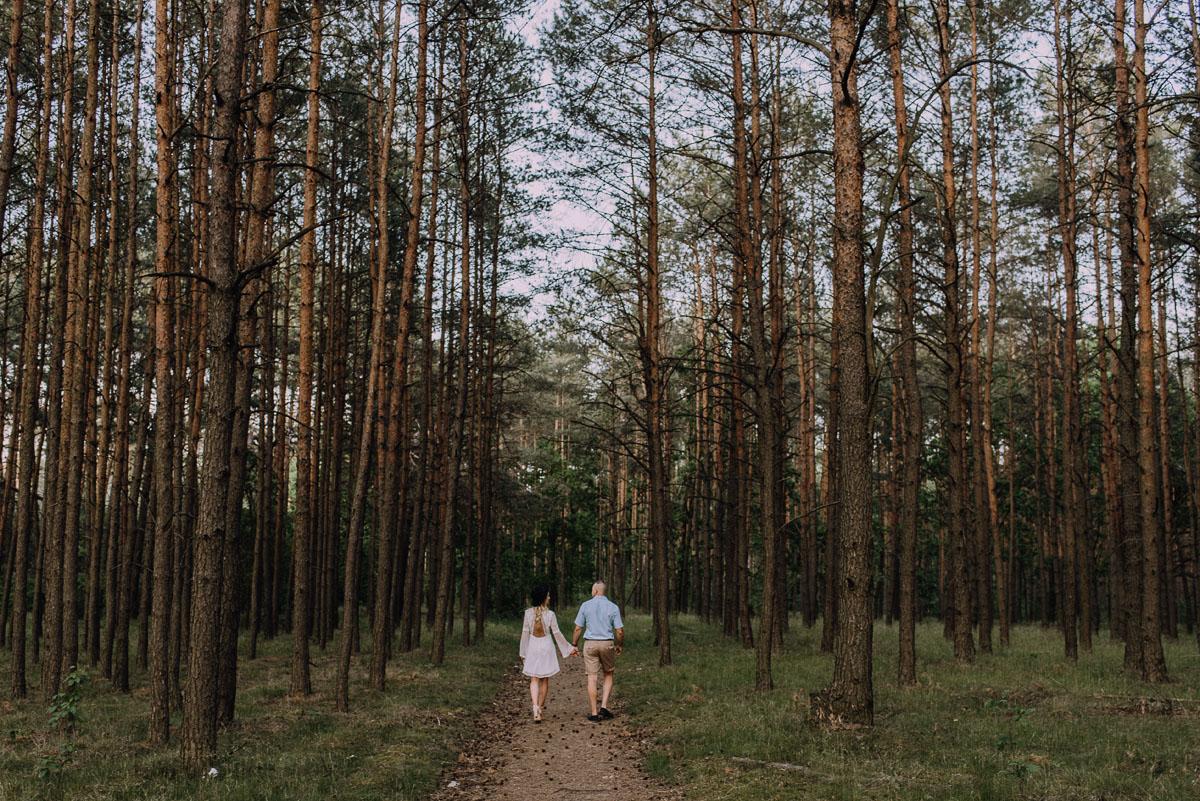 naturalna-sesja-narzeczenska-Swietliste-fotografujemy-emocje-Oliwia-Maciej-011