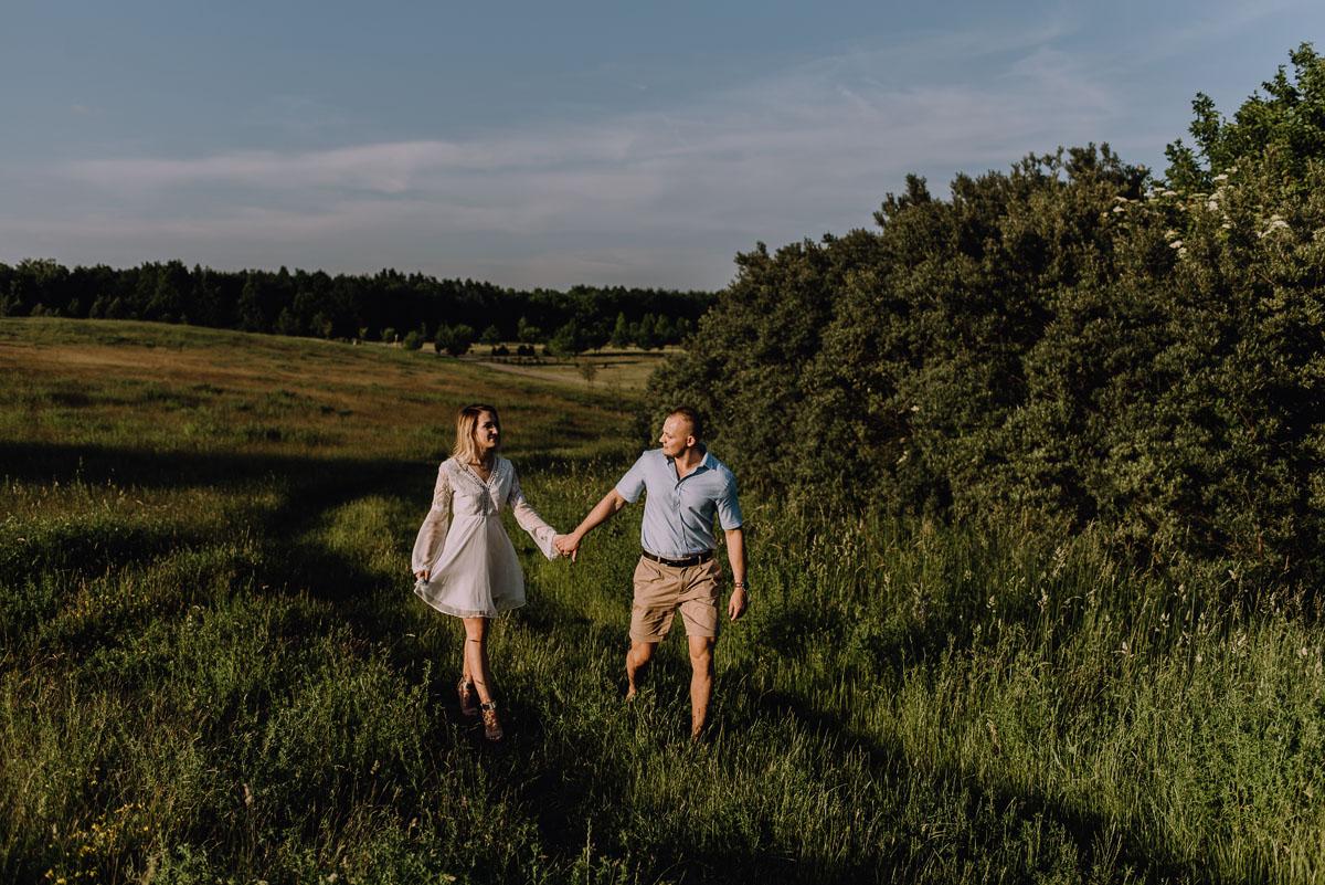 naturalna-sesja-narzeczenska-Swietliste-fotografujemy-emocje-Oliwia-Maciej-019