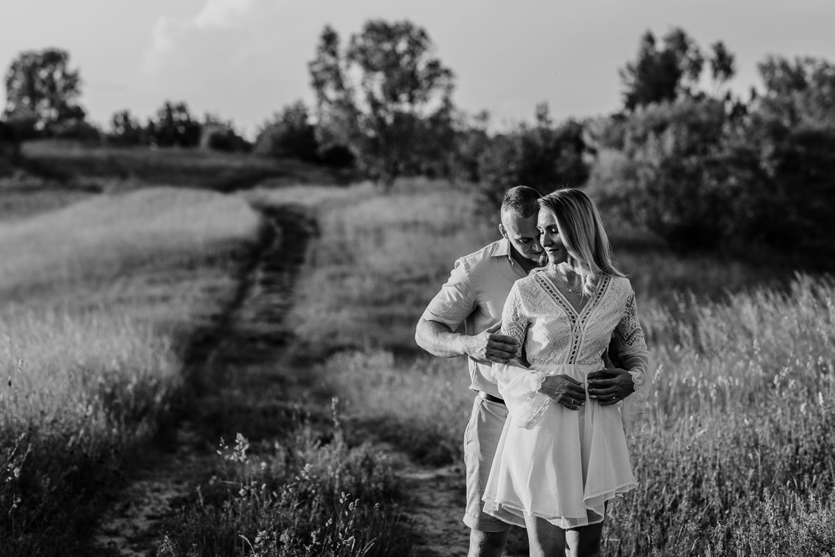 naturalna-sesja-narzeczenska-Swietliste-fotografujemy-emocje-Oliwia-Maciej-050