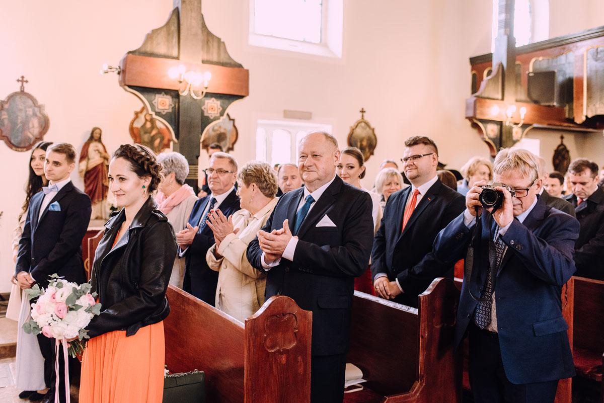 reportaz-slubny-parafia-sw-Kazimierza-Krolewicza-wesele-Magnolia-Kruszyn-Dorota-Krzysztof-081