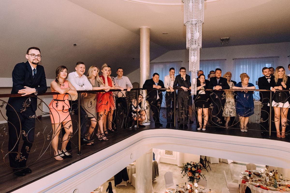 reportaz-slubny-Hotel-pod-Orlem-slub-kosciol-sw-Trojcy-Bydgoszcz-wesele-sala-bankietowa-Stary-Mlyn-Wierzchucice-Paulina-Pawel-177