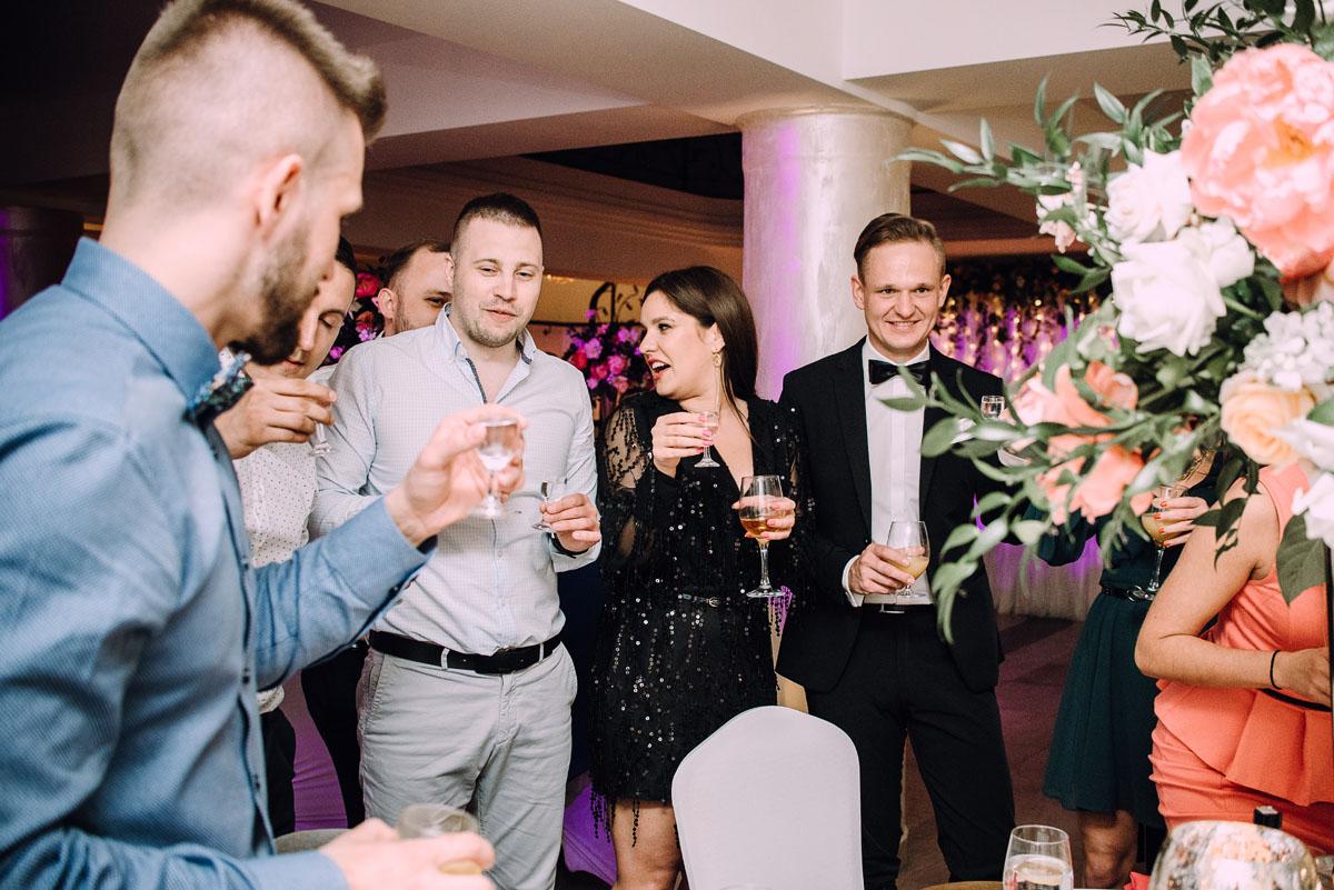 reportaz-slubny-Hotel-pod-Orlem-slub-kosciol-sw-Trojcy-Bydgoszcz-wesele-sala-bankietowa-Stary-Mlyn-Wierzchucice-Paulina-Pawel-208