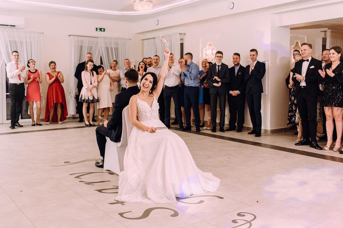 reportaz-slubny-Hotel-pod-Orlem-slub-kosciol-sw-Trojcy-Bydgoszcz-wesele-sala-bankietowa-Stary-Mlyn-Wierzchucice-Paulina-Pawel-234