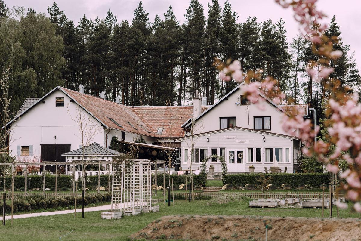 rustykalny-slub-wesele-na-kaszubach-folwark-dajak-w-koleczkowie-patrycja-rafal-007