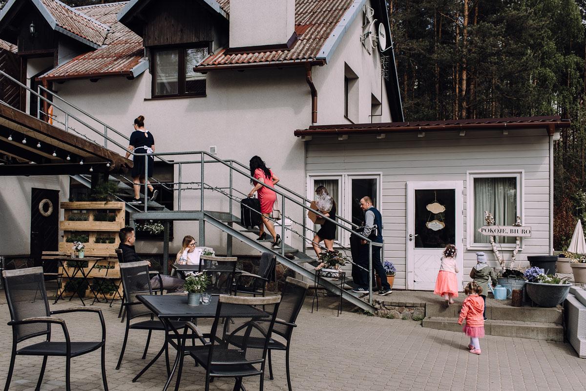 rustykalny-slub-wesele-na-kaszubach-folwark-dajak-w-koleczkowie-patrycja-rafal-019