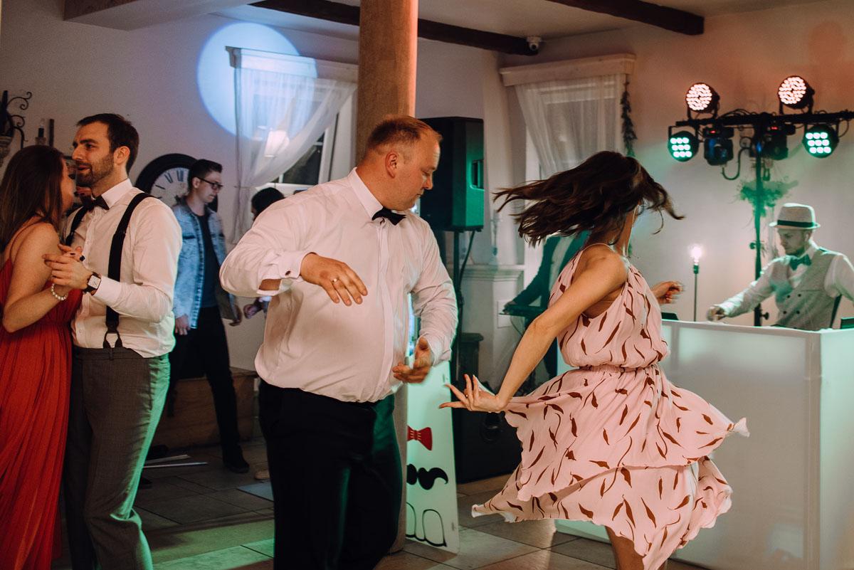 rustykalny-slub-wesele-na-kaszubach-folwark-dajak-w-koleczkowie-patrycja-rafal-239