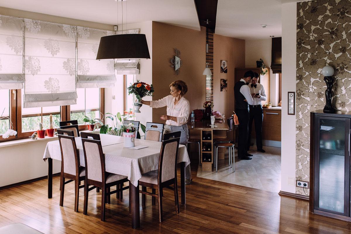 reportaz-slubny-Gosia-Lukasz-slub-kosciol-NMP-Wspomozycielki-Wiernych-Niemcz-wesele-Restauracja-3V6-City-Hotel-Bydgoszcz-004