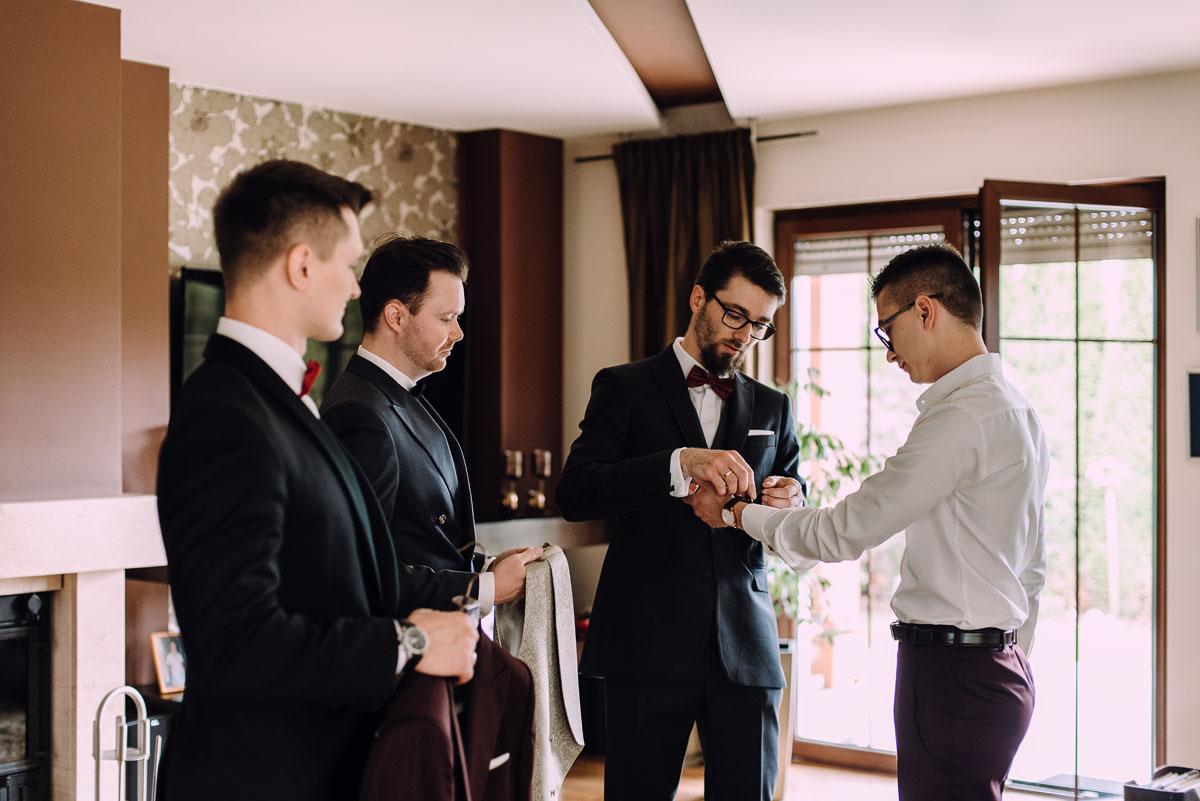 reportaz-slubny-Gosia-Lukasz-slub-kosciol-NMP-Wspomozycielki-Wiernych-Niemcz-wesele-Restauracja-3V6-City-Hotel-Bydgoszcz-022