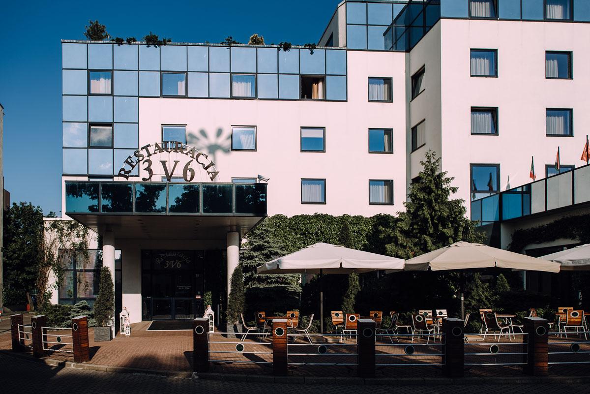 reportaz-slubny-Gosia-Lukasz-slub-kosciol-NMP-Wspomozycielki-Wiernych-Niemcz-wesele-Restauracja-3V6-City-Hotel-Bydgoszcz-124