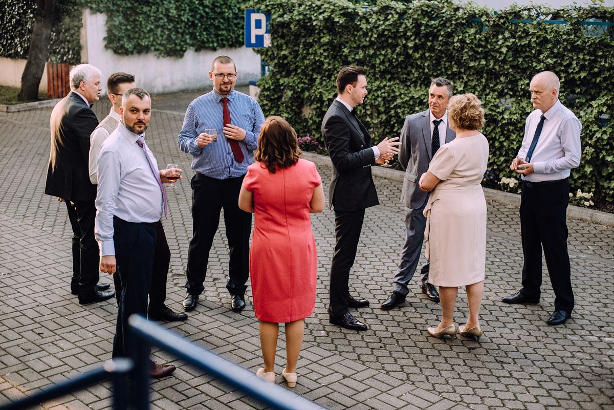 reportaz-slubny-Gosia-Lukasz-slub-kosciol-NMP-Wspomozycielki-Wiernych-Niemcz-wesele-Restauracja-3V6-City-Hotel-Bydgoszcz-161