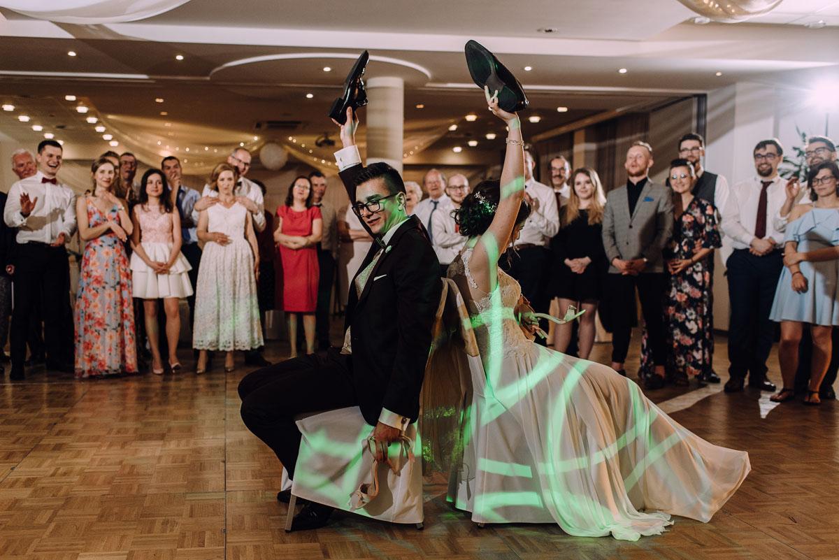reportaz-slubny-Gosia-Lukasz-slub-kosciol-NMP-Wspomozycielki-Wiernych-Niemcz-wesele-Restauracja-3V6-City-Hotel-Bydgoszcz-234