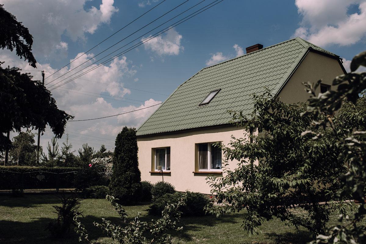 slub-drewniany-kosciol-sw-Barbary-Rechta-Sukowy-wesele-Jasminowy-Gaj-Inowroclaw-Aleksandra-Bartosz-002