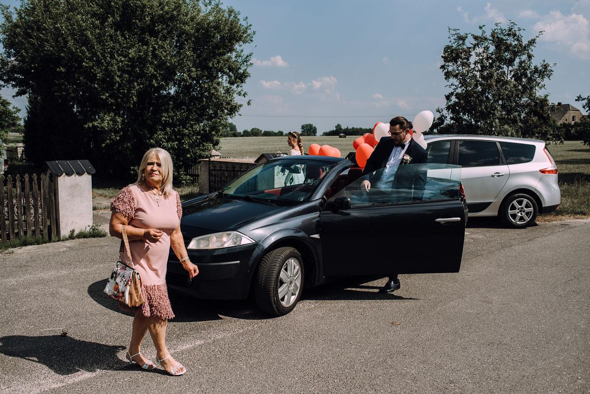 slub-drewniany-kosciol-sw-Barbary-Rechta-Sukowy-wesele-Jasminowy-Gaj-Inowroclaw-Aleksandra-Bartosz-055