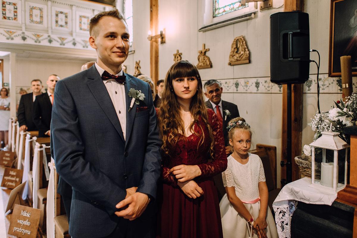 slub-drewniany-kosciol-sw-Barbary-Rechta-Sukowy-wesele-Jasminowy-Gaj-Inowroclaw-Aleksandra-Bartosz-105
