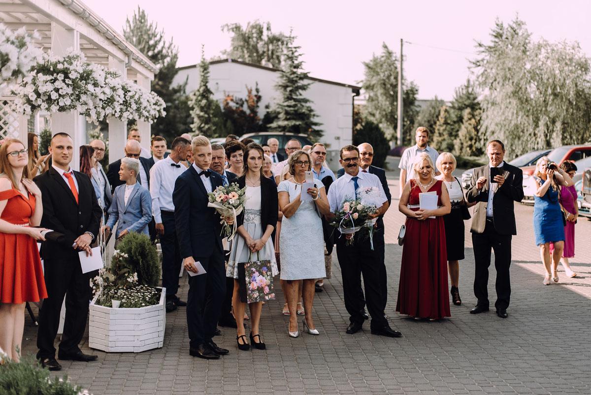 slub-drewniany-kosciol-sw-Barbary-Rechta-Sukowy-wesele-Jasminowy-Gaj-Inowroclaw-Aleksandra-Bartosz-120