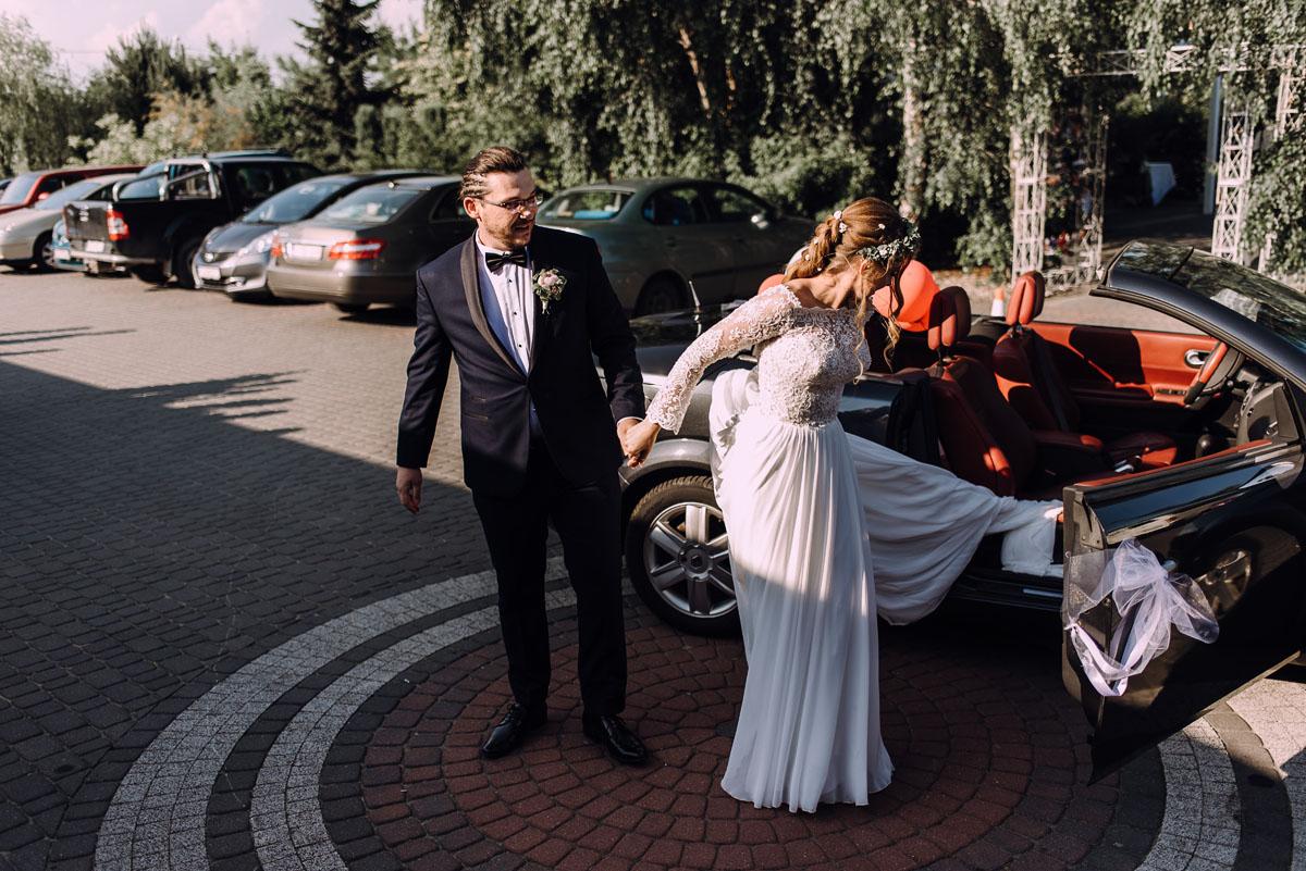 slub-drewniany-kosciol-sw-Barbary-Rechta-Sukowy-wesele-Jasminowy-Gaj-Inowroclaw-Aleksandra-Bartosz-121