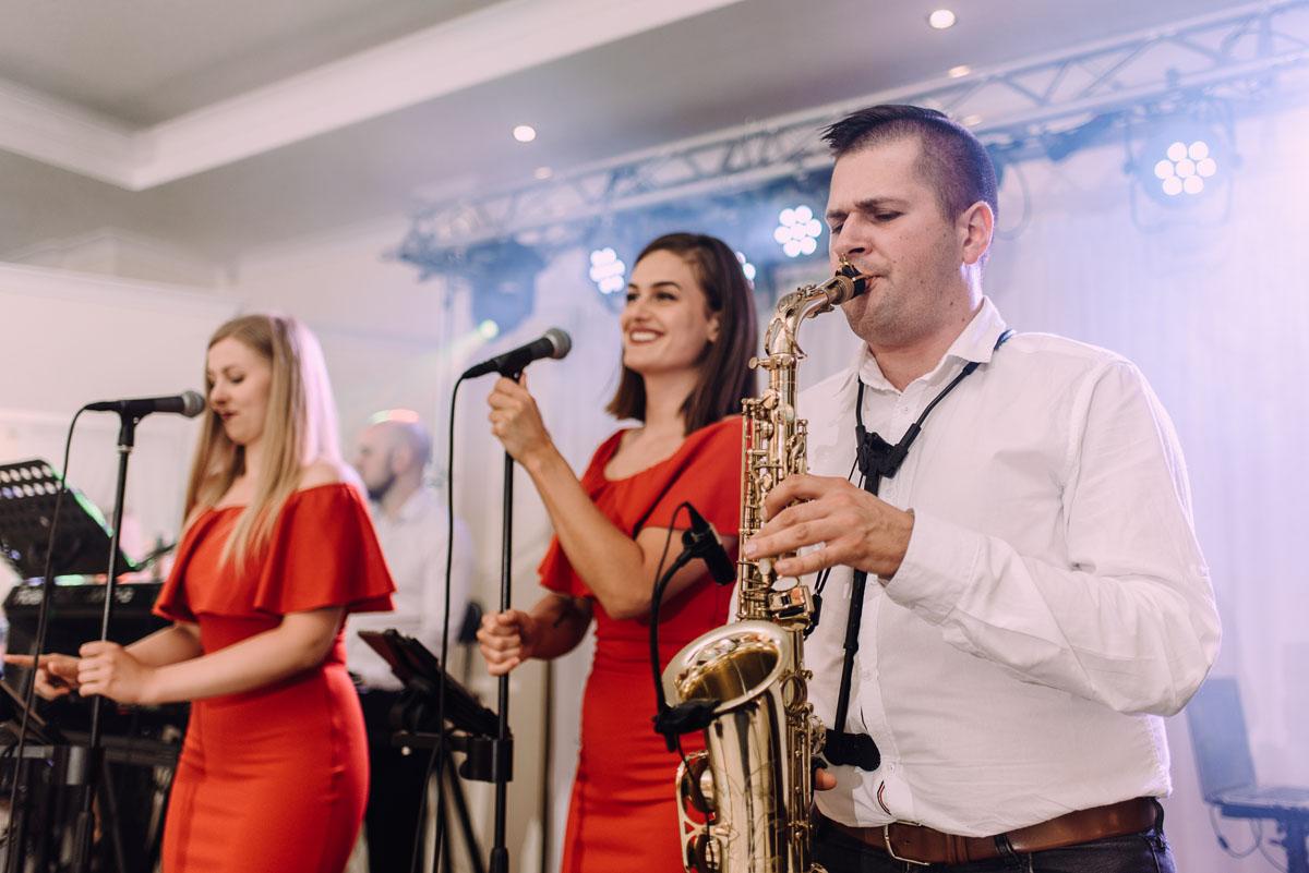 slub-drewniany-kosciol-sw-Barbary-Rechta-Sukowy-wesele-Jasminowy-Gaj-Inowroclaw-Aleksandra-Bartosz-144